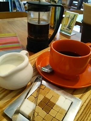 20150613 mama cafe 151A.JPG