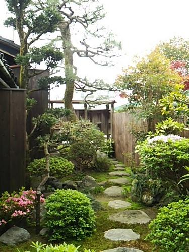 20170425 あかつき屋の庭.JPG