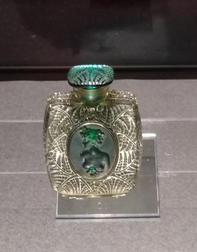 20180126 ルネ・ラリックの香水瓶1.jpg
