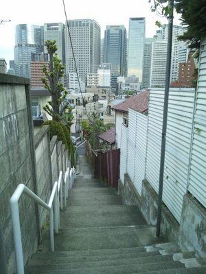 20130923 2高輪4丁目18付近の階段.JPG