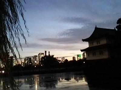 20141021 夕暮れ@皇居周辺.JPG