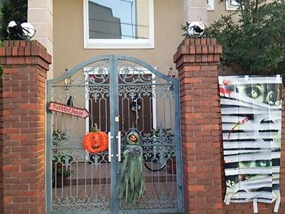 20151024 Halloween haunted house.JPG
