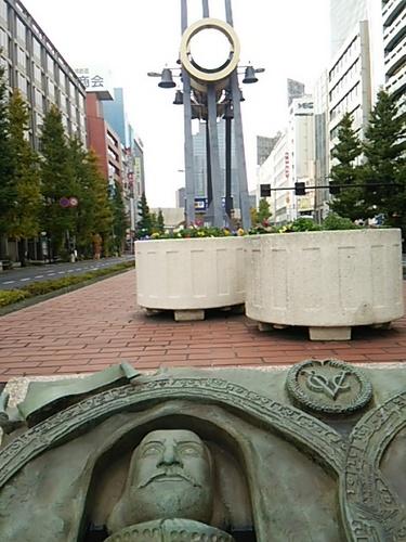 20161120 八重洲 平和の鐘.JPG