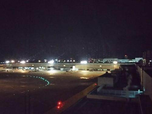 20190111 成田空港で前泊.jpg
